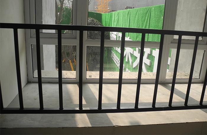 组装护窗栏杆