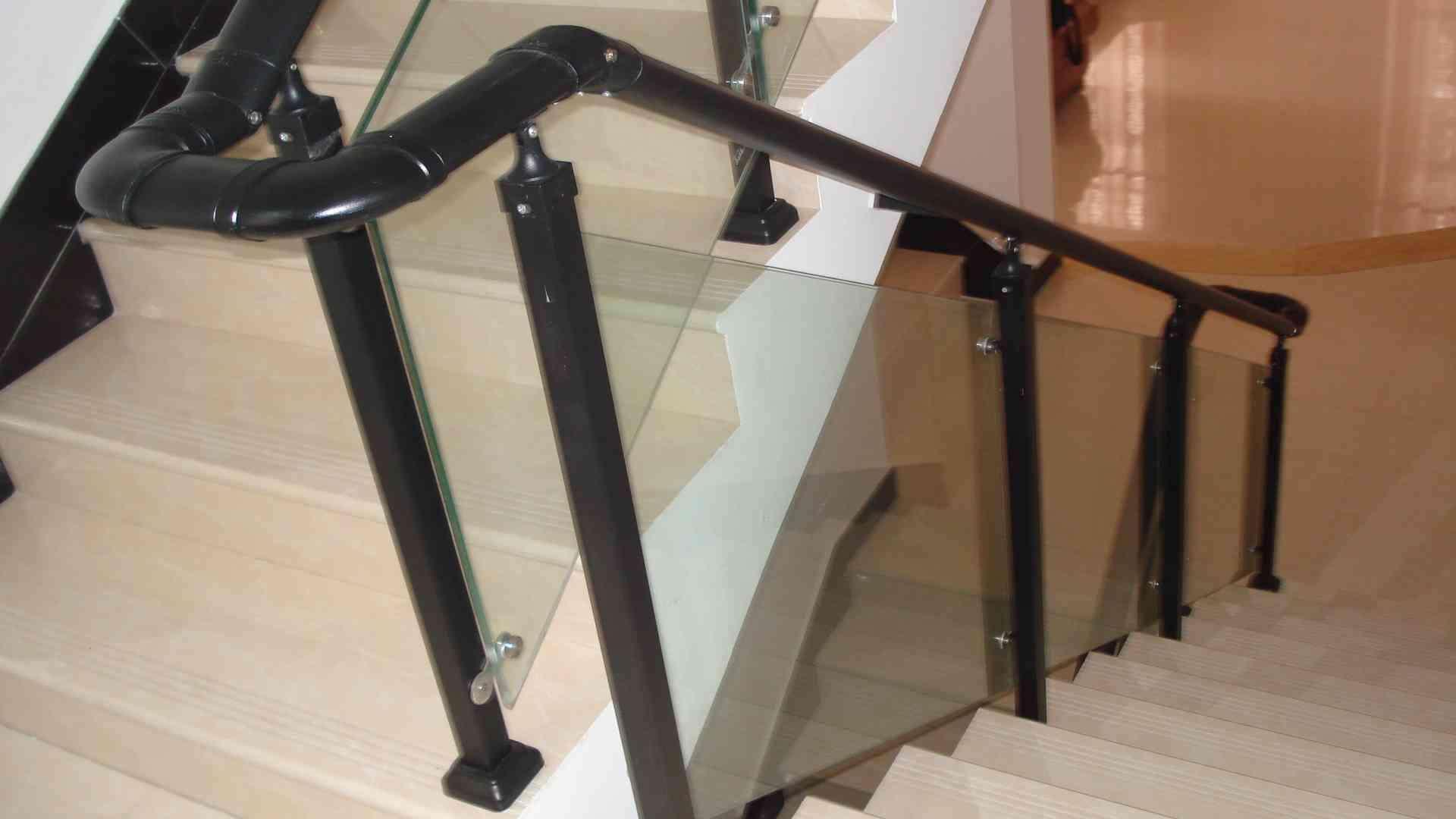 锌钢玻璃楼梯扶手