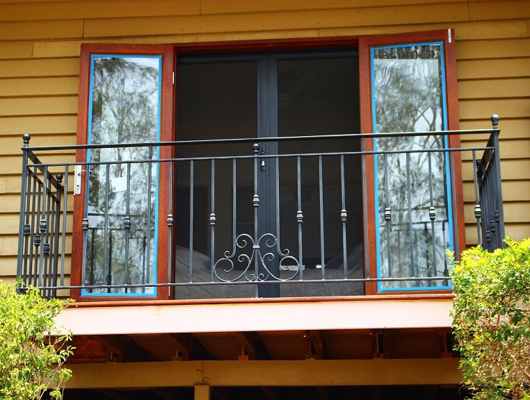 阳台锌钢组装护栏工艺技术成熟,款式多样