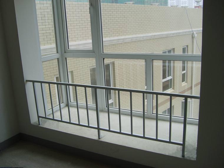 东莞锌钢护窗栏杆