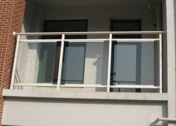 东莞锌钢玻璃栏杆